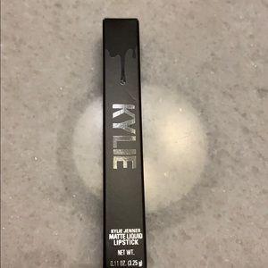 ⭐️SALE⭐️Kylie Cosmetics Matte Lip LOVE BITE